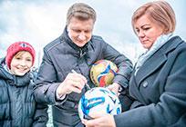 Андрей Иванов открыл реконструированный стадион Барвихинской СОШ