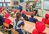 Сторонники партии помогли организовать урок мужества вОдинцовской лингвистической гимназии