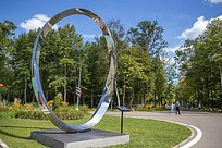 Две скульптуры из«Зарядья» украсили Одинцовский парк культуры, спорта иотдыха