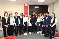 Андрей Иванов посетил образовательный центр «Точка роста» вГорках-10