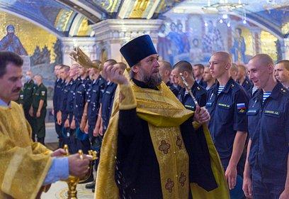 Торжественное богослужение вчесть Дня крещения Руси прошло вГлавном храме Вооружённых Сил России