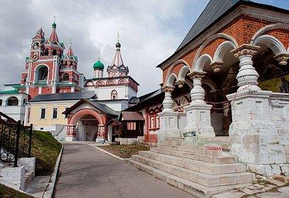 Саввино-Сторожевский монастырь вошел вТОП-5самых популярных утуристов храмов имонастырей вПодмосковье