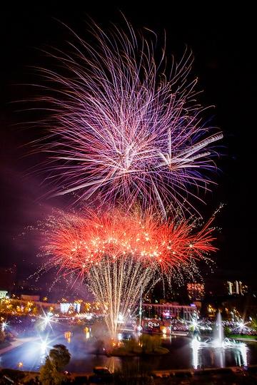 Салют в честь Дня Победы в Одинцово посетило рекордное число зрителей, Салют