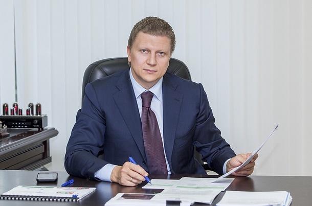 Андрей Иванов за столом, Июль