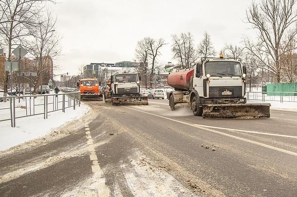 ВОдинцовском районе ликвидируют последствия снегопада: дорожные икоммунальные службы муниципалитета переведены наусиленный режим работы, Февраль