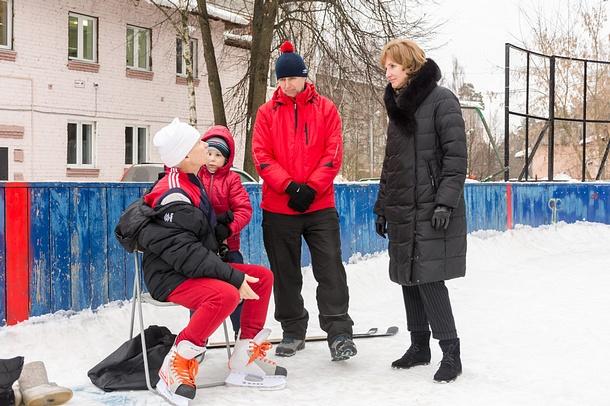 ВЖаворонковском проверили качество ледового покрытия катков, Февраль