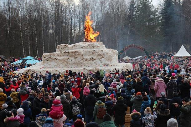 Более 15000 человек отпраздновали Масленицу вЗахарово, Более 15000 человек отпраздновали Масленицу вЗахарово