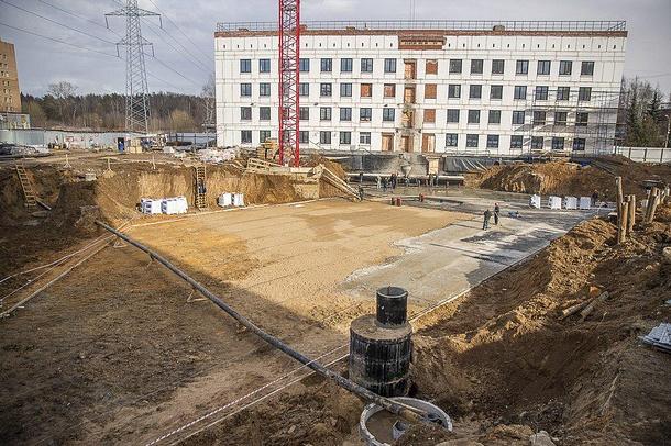 Андрей Иванов: держим руку напульсе иконтролируем строительство поликлиники №1, Март