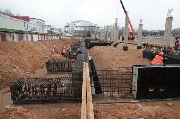 Реконструкция центрального стадиона в Одинцово, Апрель