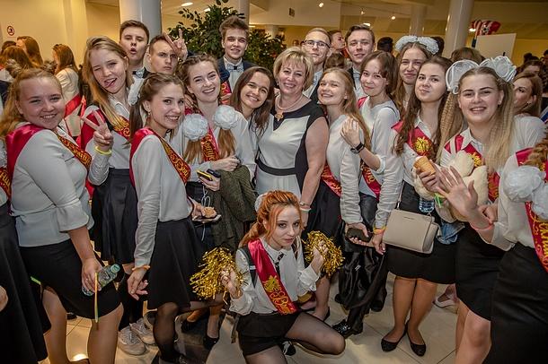 Вэтом году последний звонок прозвенит для1885 выпускников Одинцовского городского округа, Май