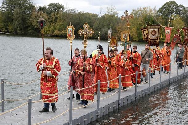 Более 2000 человек приняли участие вкрестном ходе вОдинцово, Сентябрь
