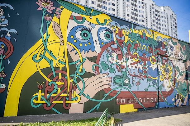 Сергей Кириенко посетил музей граффити подоткрытым небом вТрехгорке, Сентябрь