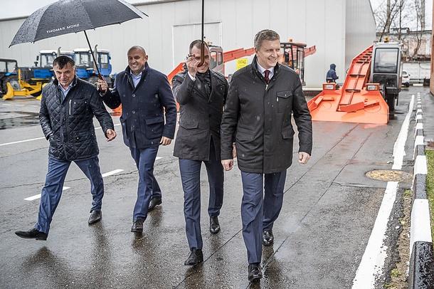 2, Глава Одинцовского округа проверил готовность дорожных предприятий куборке ивывозу снега