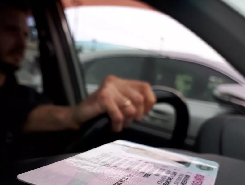 Госавтоинспекция разъяснила порядок обмена национальных водительских удостоверений, Июль