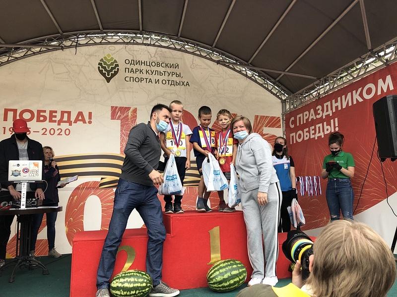 Лариса Лазутина провела разминку дляучастников традиционного Арбузного кросса вОдинцово, Сентябрь