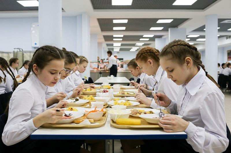 Жители Одинцовского округа смогут обратиться на«Горячую линию» повопросам организации школьного питания до3октября, Сентябрь