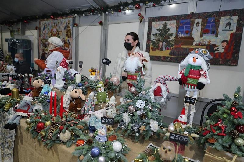 Андрей Иванов посетил благотворительный новогодний фестиваль «Подмосковный умелец» вЗвенигороде, Декабрь