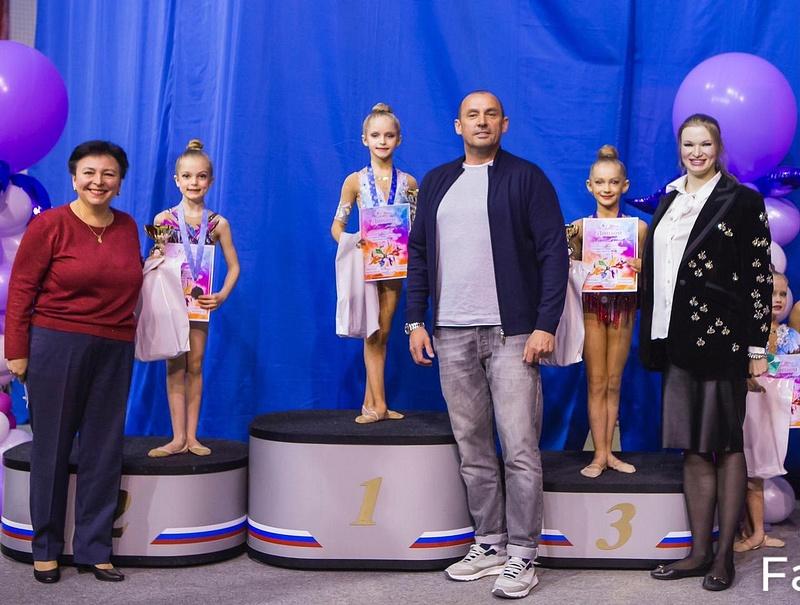 Участниц турнира похудожественной гимнастике «Шаг кОлимпу» поприветствовали одинцовские партийцы