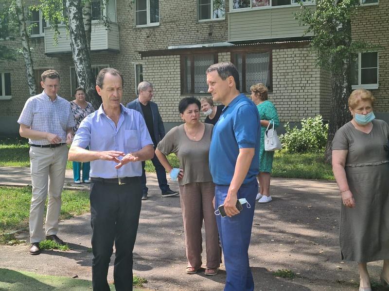 Игорь Шаповалов провел встречу сжителями поселка Летний отдых