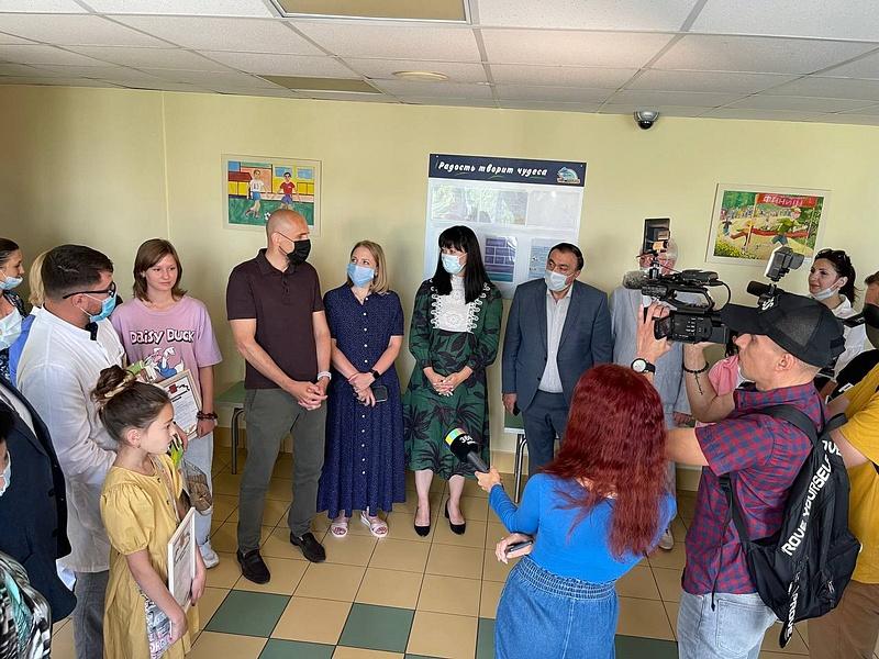 Дмитрий Голубков провел встречу сколлективом детской поликлиники вОдинцово