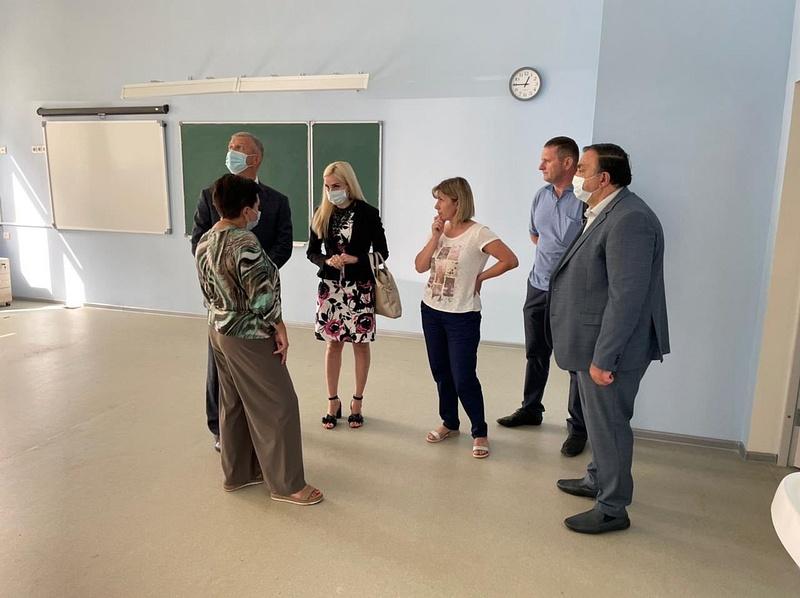 Одинцовские партийцы провели встречу сруководством коррекционной школы «Надежда»